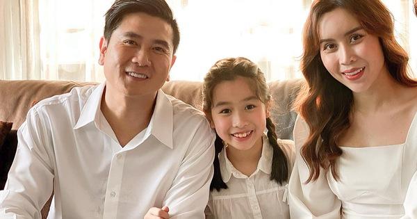 Còn bé mà con gái Hồ Hoài Anh - Lưu Hương Giang đã bắn tiếng Anh như gió, chuẩn tài năng nhí đây rồi!