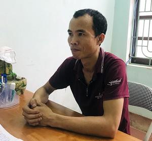 Con trai vác ghế đánh mẹ già ở Yên Bái, một người đứng cạnh quay video-1