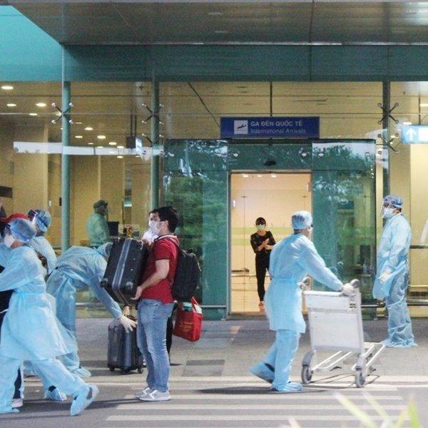 Cần Thơ: Đón chuyến bay đưa 105 công dân Việt Nam từ Indonesia về nước