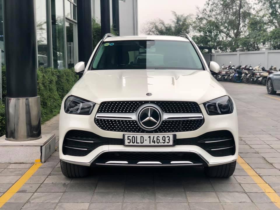 Mercedes-Benz GLE thế hệ mới thanh lý với giá rẻ hơn 600 triệu, ODO vỏn vẹn 1.600km-1