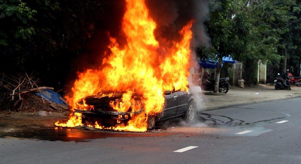 9 nguyên nhân khiến ô tô bốc cháy, có hay không lỗi của nhà sản xuất?                                            -1