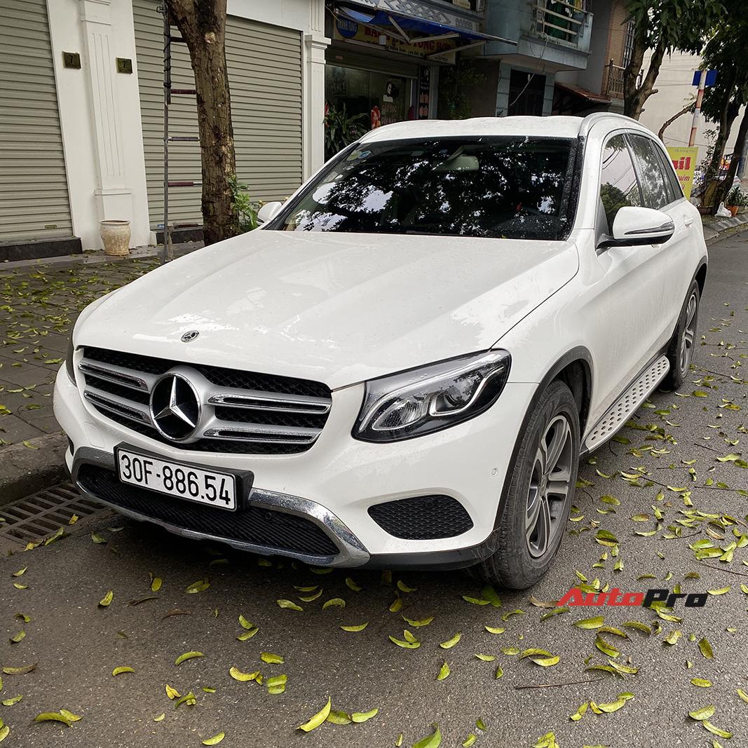 Mua xe chưa lâu đã ra phom mới, dân chơi Hà thành chi 250 triệu đồng lột xác Mercedes-Benz GLC 200 cũ thành GLC 300 AMG 2020-1