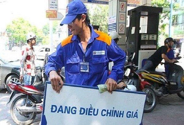 Giá xăng dầu sẽ giảm sâu còn 7.000 đồng/lít?