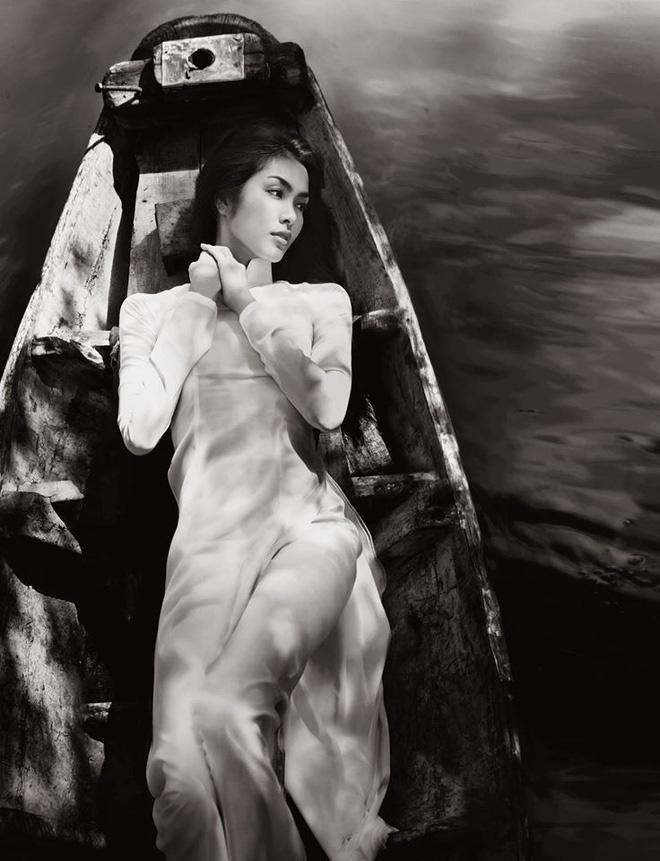 Bộ ảnh Hà Tăng diện áo dài trắng 8 năm trước bất ngờ hot trở lại: Nhìn là mê đắm vì chị đẹp, thảo nào bao người say mê!-2