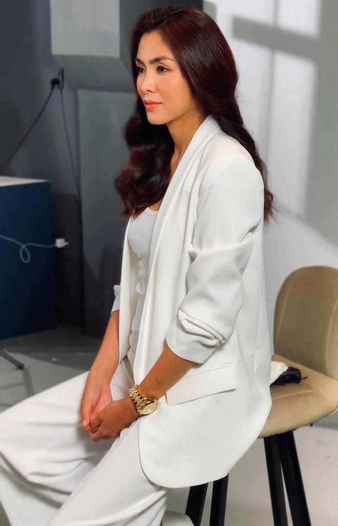 Bộ ảnh Hà Tăng diện áo dài trắng 8 năm trước bất ngờ hot trở lại: Nhìn là mê đắm vì chị đẹp, thảo nào bao người say mê!-8