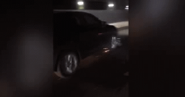 Clip: Gây tai nạn rồi bỏ chạy, Mazda CX5 cuốn xe đạp điện vào gầm rồi kéo lê hàng chục km