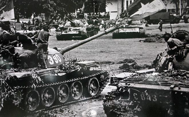 Đại tá Nguyễn Khắc Nguyệt: Giải mật lời đồn lính xe tăng Bắc Việt bị xích vào xe-8