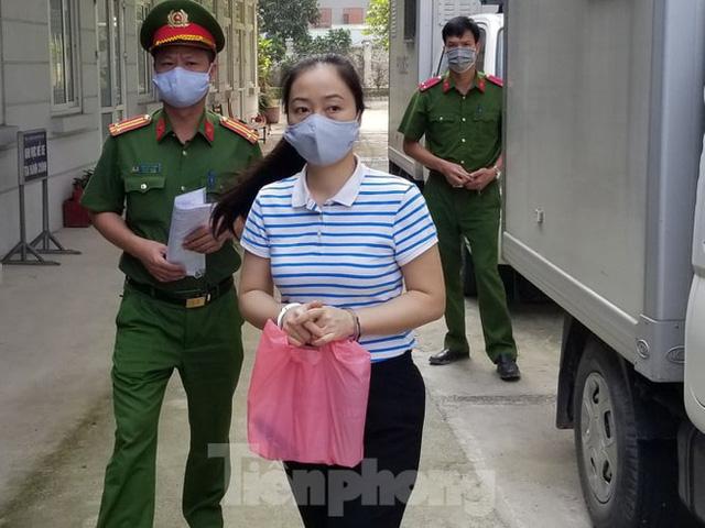 Đang thụ án chung thân, Hà Văn Thắm tiếp tục hầu toà                         -1