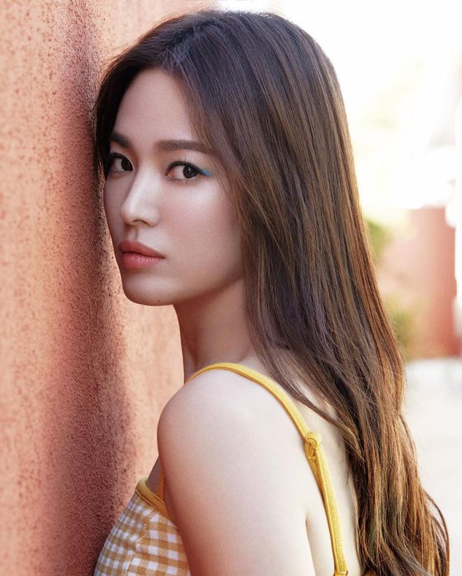 Chỉ mong Song Hye Kyo mãi nhẹ nhàng xinh đẹp tựa nữ thần, đừng 5 lần 7 lượt cố quá đến mức dọa fan thế này-16