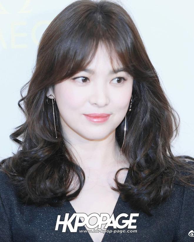 Chỉ mong Song Hye Kyo mãi nhẹ nhàng xinh đẹp tựa nữ thần, đừng 5 lần 7 lượt cố quá đến mức dọa fan thế này-14