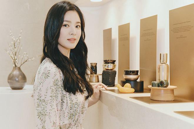 Chỉ mong Song Hye Kyo mãi nhẹ nhàng xinh đẹp tựa nữ thần, đừng 5 lần 7 lượt cố quá đến mức dọa fan thế này-11
