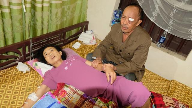 Cận kề cái chết, người vợ cầu xin nhà hảo tâm dang tay cứu chồng-1