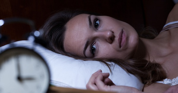 Ở nhà nhiều trong thời kỳ dịch bệnh khiến nhiều người gặp vấn đề về giấc ngủ: Phương pháp khắc phục tình trạng này