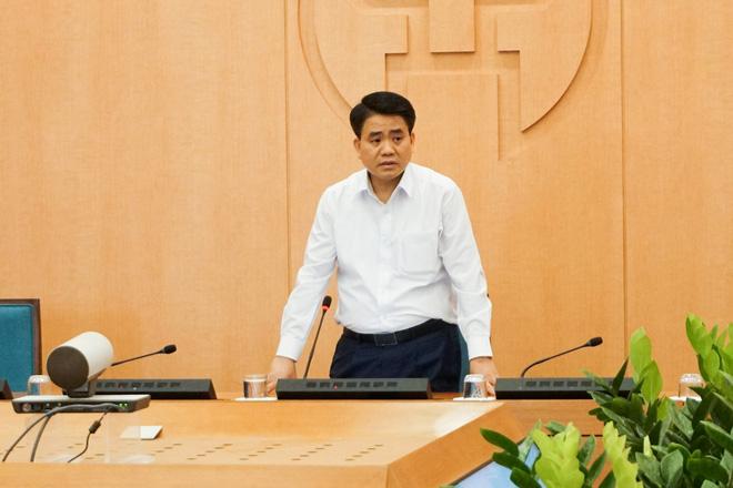 Hà Nội sẽ xây dựng khung giờ hoạt động cụ thể của các cửa hàng kinh doanh thiết yếu để tránh tụ tập đông người-2