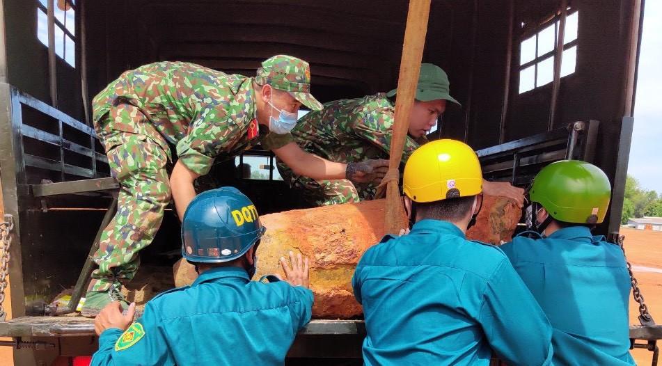 Bình Dương: Phát hiện quả bom B52 còn gần 200kg thuốc nổ-2