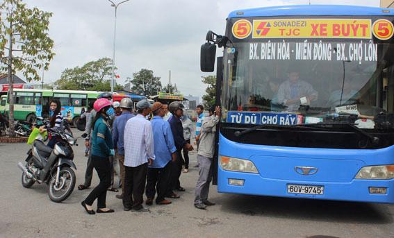 Một tuyến xe buýt ở Sài Gòn sẽ được hoạt động trở lại vào ngày mai-1