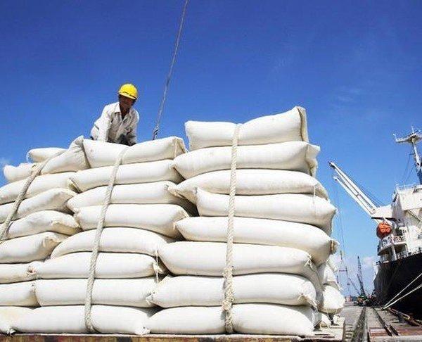 Bộ Công Thương kiến nghị bỏ hạn ngạch, cho xuất khẩu gạo bình thường từ 1/5