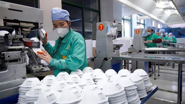 Cận cảnh ma trận những cỗ máy in tiền: Khi dịch COVID-19 biến Trung Quốc thành miền Tây hoang dã                         -1