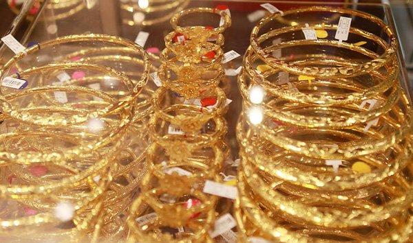 Giá vàng hôm nay 28/4: Vàng miếng SJC tạm thời giảm, chờ thời cơ bứt phá
