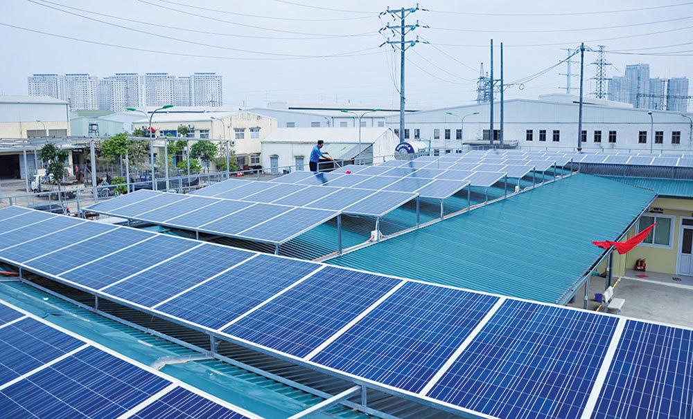 Khách hàng tại Hà Nội được hưởng nhiều ưu đãi khi lắp đặt hệ thống điện mặt trời áp mái-1
