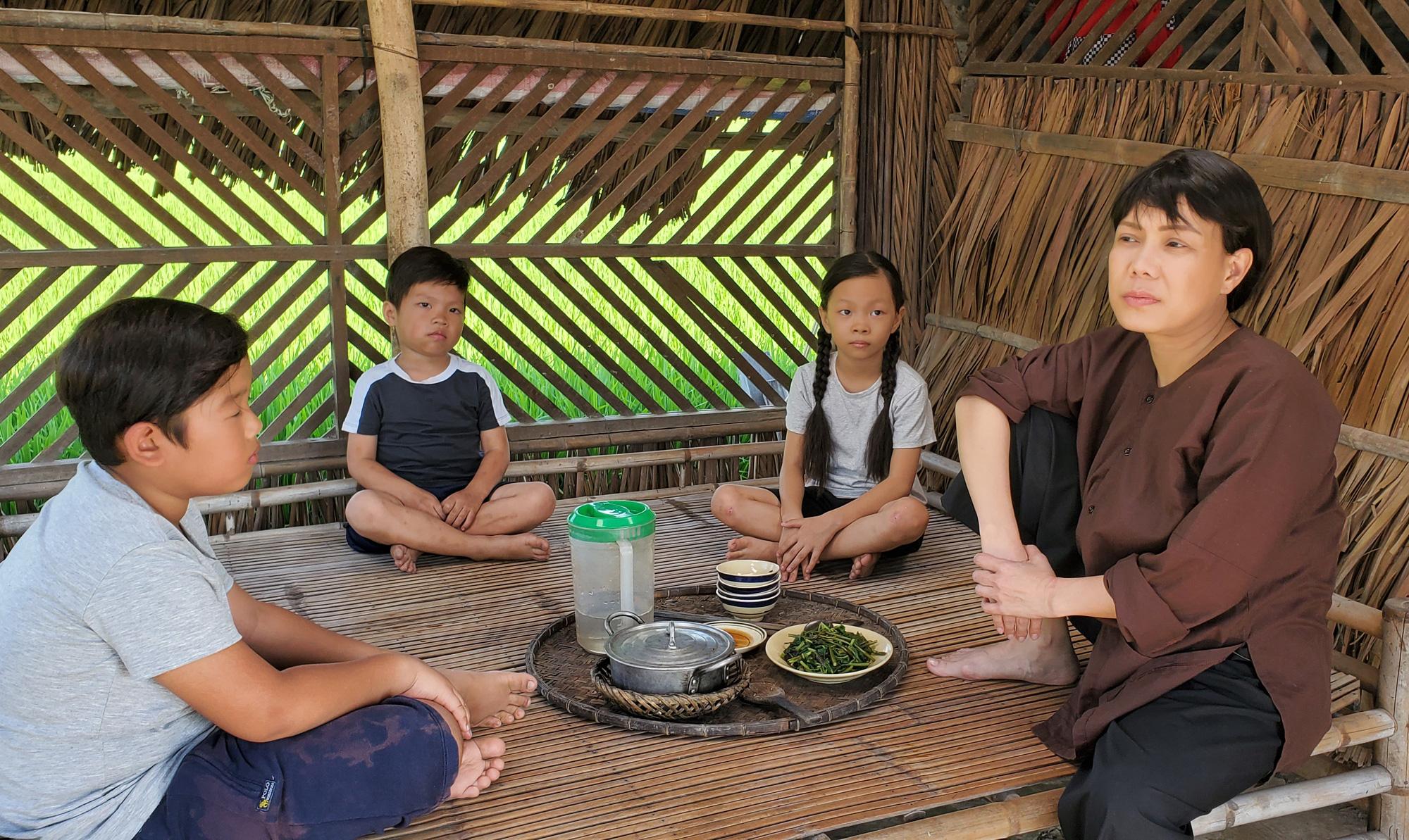 Sau phim tiền tỷ thất bại, Việt Hương: Tôi không thông minh, rất khó tính ngoài đời-2
