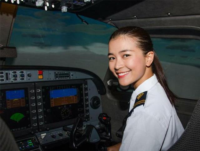 Nhan sắc quyến rũ của nữ diễn viên Việt quyết tâm bẻ lái làm phi công hãng hàng không Bamboo Airways-5