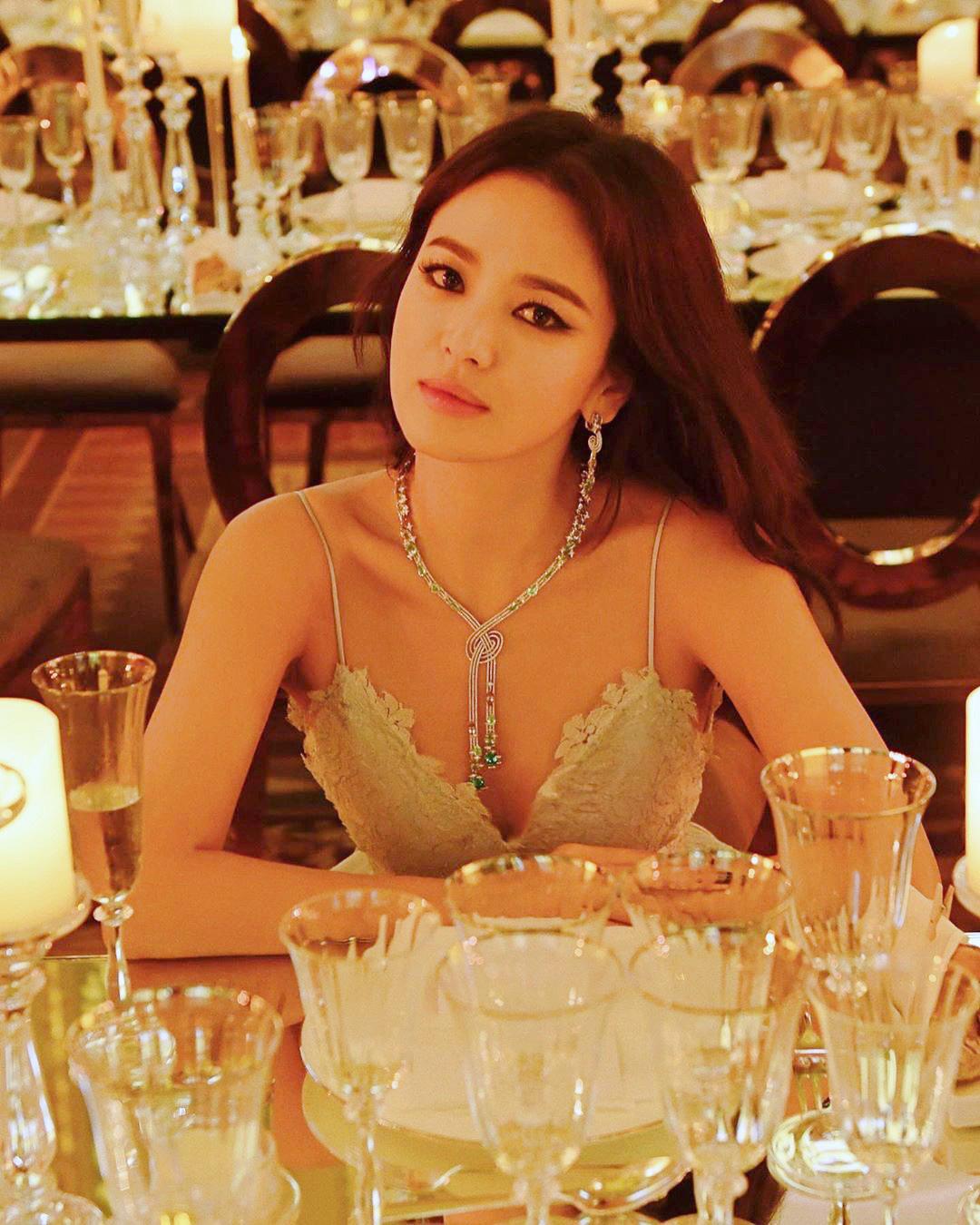 Ly hôn Song Joong Ki, Song Hye Kyo ngày càng thay đổi bản thân theo chiều hướng trái ngược quá khứ-7