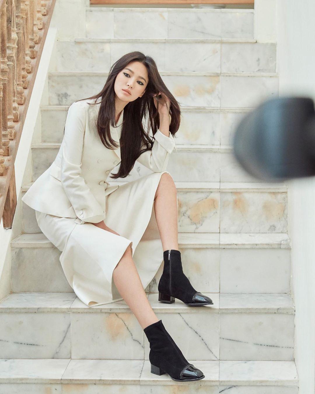 Ly hôn Song Joong Ki, Song Hye Kyo ngày càng thay đổi bản thân theo chiều hướng trái ngược quá khứ-8
