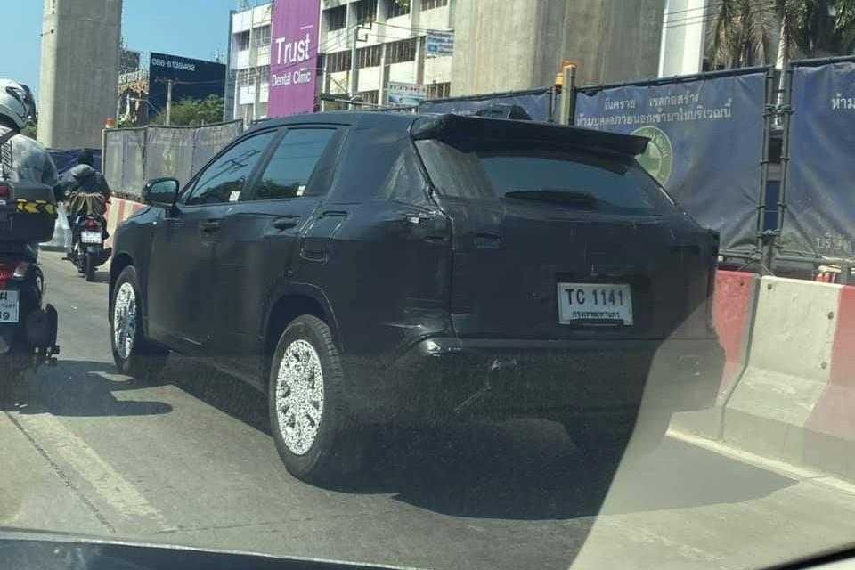 Lộ diện Toyota Corolla Cross - SUV mới cạnh tranh Honda CR-V