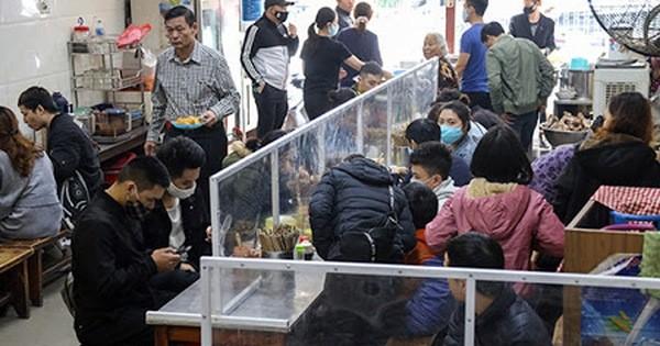 Chỉ thị mới của Hà Nội: Hoạt động kinh doanh ăn uống, cà phê, giải khát phải có tấm chắn giữa các vị trí ngồi
