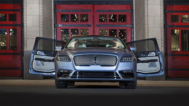 'Đột nhập' xưởng chế tạo siêu xe giả lớn nhất thế giới