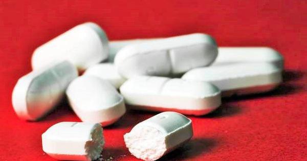 Nguy kịch vì uống 16 viên hạ sốt trong 4 ngày: BS khuyến cáo cách dùng đúng tránh ngộ độc