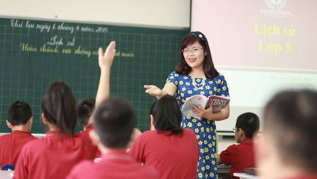 Hà Nội thông tin chính thức về thời gian thi tuyển viên chức giáo dục -1