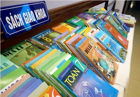 Vì sao Bộ Tài chính chấp thuận giá bán sách giáo khoa lớp 1 mới dù cao hơn giá sách cũ?-1
