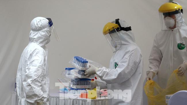 Thứ trưởng Bộ Y tế nói về khả năng lây nhiễm của những ca tái dương tính-1