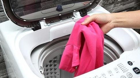 """Những sai lầm khi dùng khiến máy giặt """"ngốn điện"""" hơn cả điều hòa"""