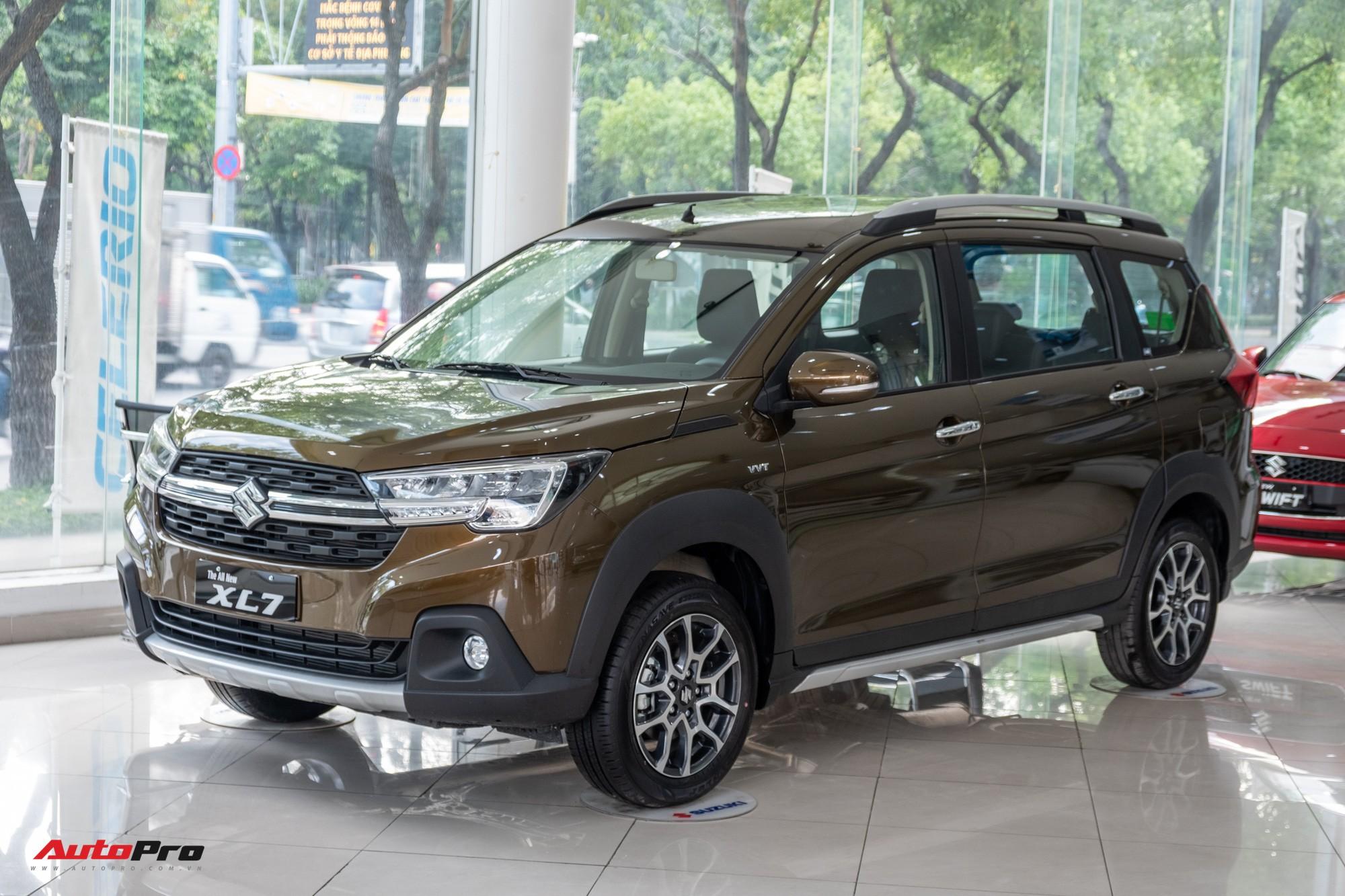 Chi tiết Suzuki XL7 giá 589 triệu đồng vừa về đại lý - Bản vá thức thời của Ertiga để đấu Mitsubishi Xpander