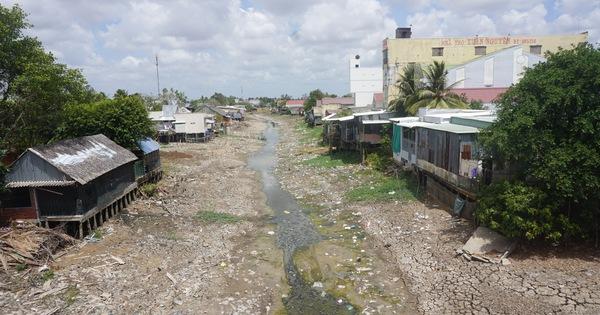 Tường trình vùng hạn mặn: Người khổ sở vì khô khát, người thản nhiên