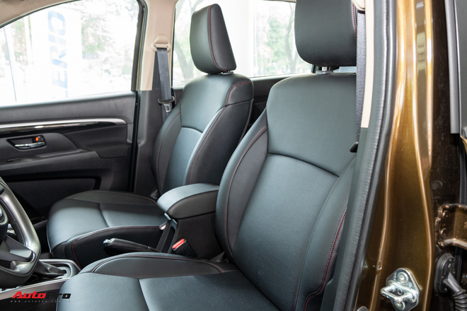 Đánh giá nhanh Suzuki XL7 giá 589 triệu đồng vừa về đại lý - Bản vá thức thời của Ertiga để đấu Mitsubishi Xpander-14
