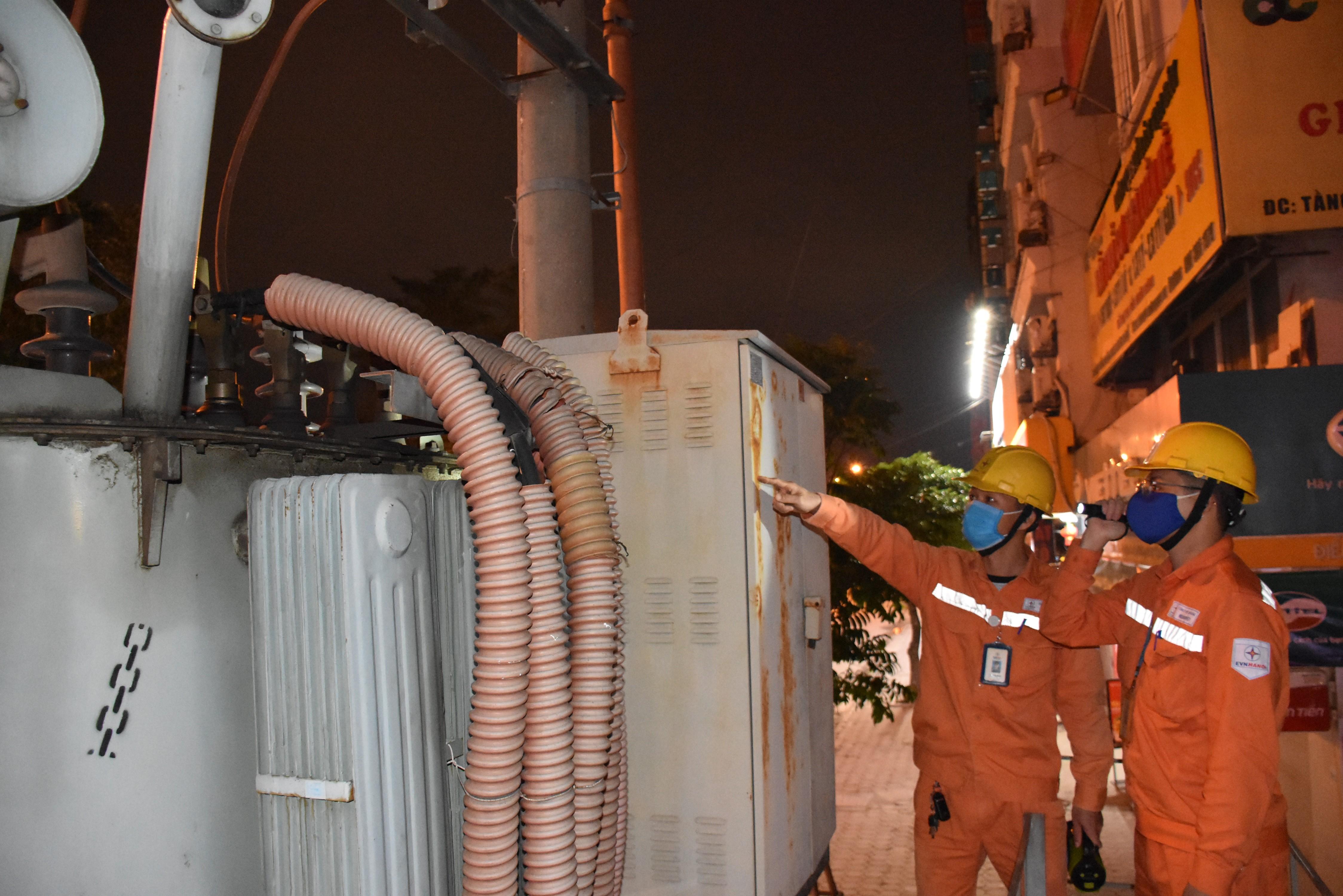 EVNHANOI thầm lặng giữ sáng nguồn điện Thủ đô-2