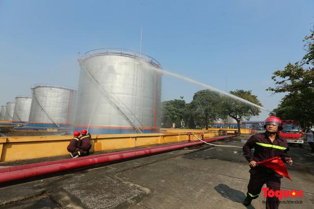 Kiểm tra an toàn phòng cháy chữa cháy tại Tổng kho xăng dầu Đức Giang-7