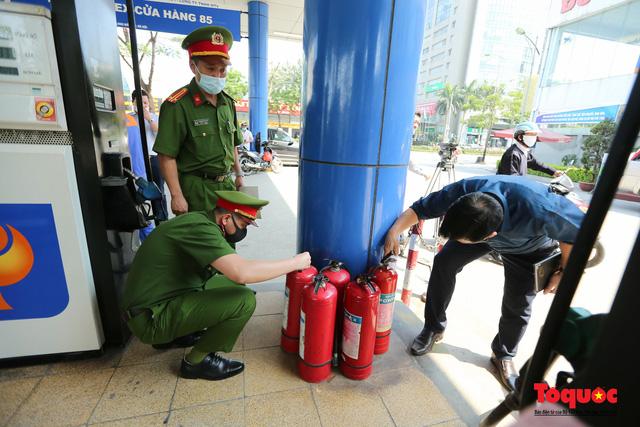 Kiểm tra an toàn phòng cháy chữa cháy tại Tổng kho xăng dầu Đức Giang-13