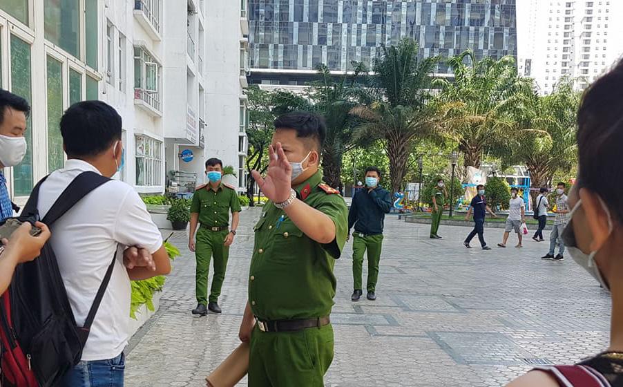 Đoạn camera ghi hình tiến sĩ Bùi Quang Tín trước lúc tử vong