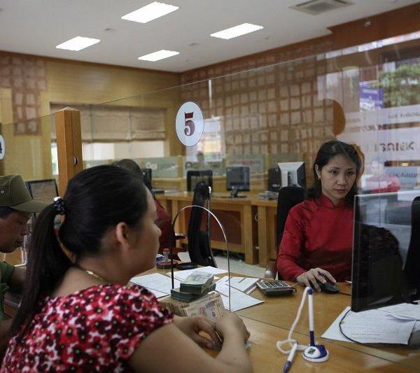 Miễn phí chuyển tiền hỗ trợ người dân gặp khó khăn do đại dịch Covid -19