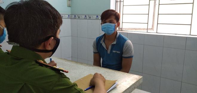 2 thanh niên cướp giật túi xách chứa hơn 120 triệu đồng của người phụ nữ ở chợ Bình Điền-2