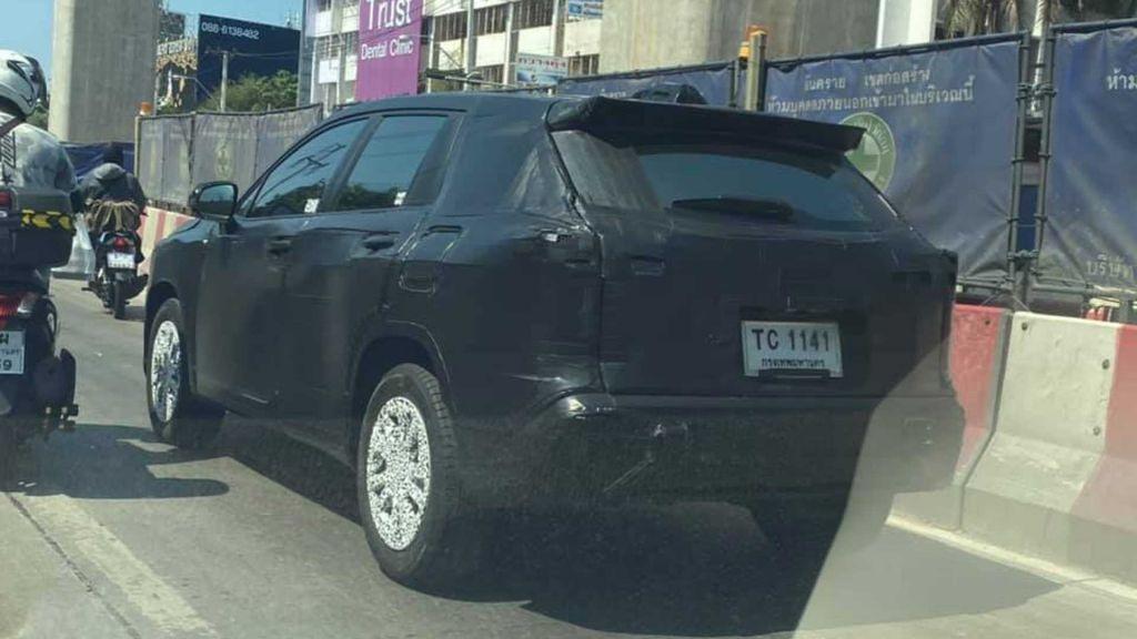 Toyota Corolla Cross lần đầu bị bắt gặp chạy thử tại Thái Lan