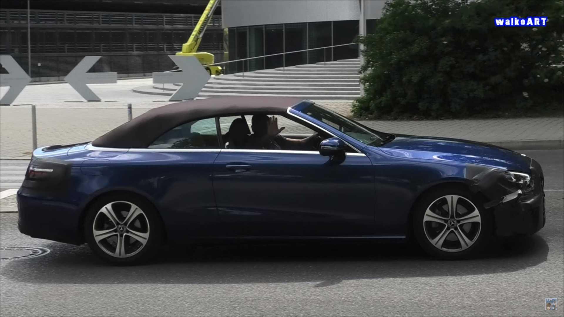 Mercedes-Benz E-Class mui trần lần đầu lộ diện trên đường phố-1