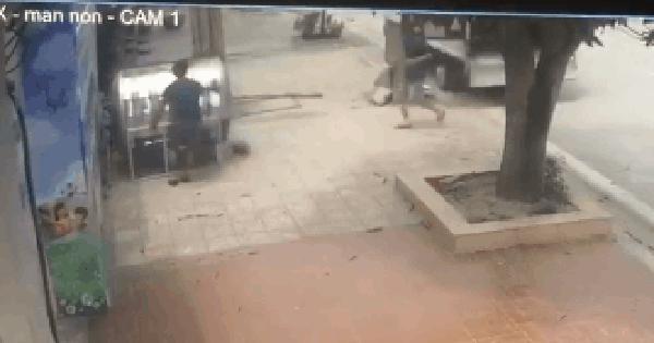 2 thanh niên bê bồn inox lên xe tải chạy trốn, chủ nhà đăng đàn