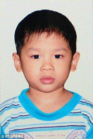 Bé trai Việt được minh tinh Hollywood nhận nuôi, 13 năm sau thay đổi ngỡ ngàng-5