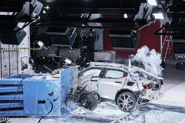 Tránh đi vào vết xe đổ của Tesla và Porsche, Volvo tìm mọi cách để giảm thiểu nguy cơ cháy nổ-2